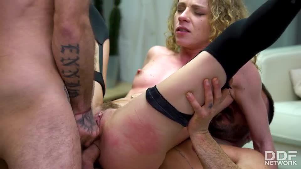 Hardcore Double Penetration Threesome (HandsOnHardcore / DDFNetwork / PornWorld) Screenshot 7