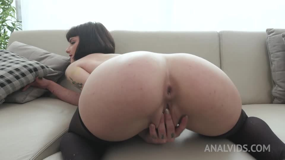 Gangbanged by 6 guys with double penetration YE138 (LegalPorno / AnalVids) Screenshot 1