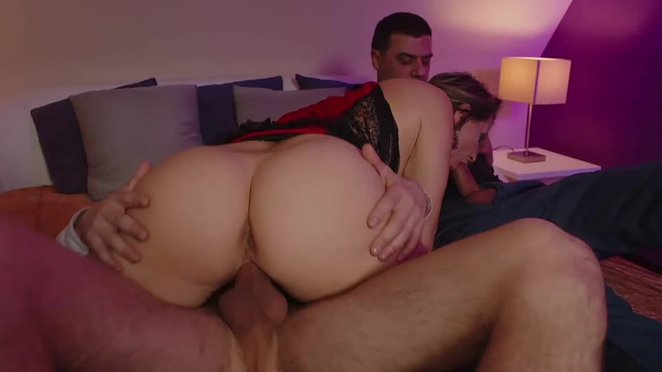 Olga Loves Having All Her Holes Filled With Big Cock (Mariskax) Screenshot 6
