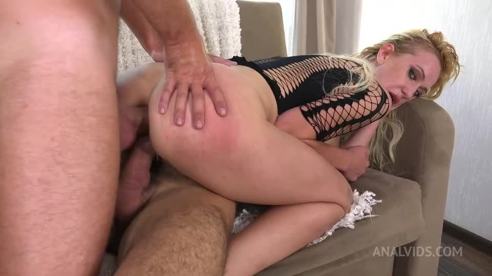 First DP for Very Leggy Milf with Big Cocks, Gapes and Cum in Mouth VG031 (LegalPorno / AnalVids) Screenshot 5