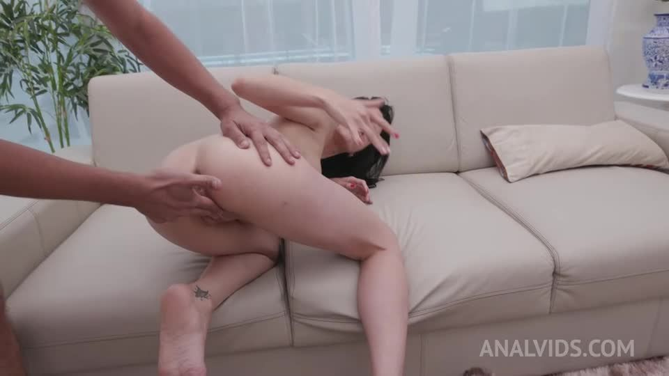 Hot brazilian takes on 4 huge cocks and gets DAP'ed YE126 (LegalPorno / AnalVids) Screenshot 9