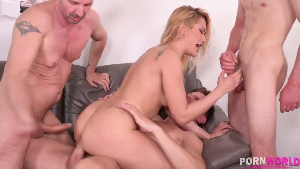 Slutty Policewoman Has Three Holes Stuffed At Crime Scene (HandsOnHardcore / PornWorld) Screenshot 7