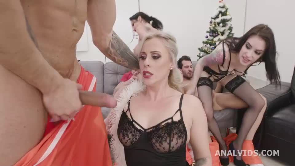 Fuck, this ain't normal christmas #1 (LegalPorno) Screenshot 3
