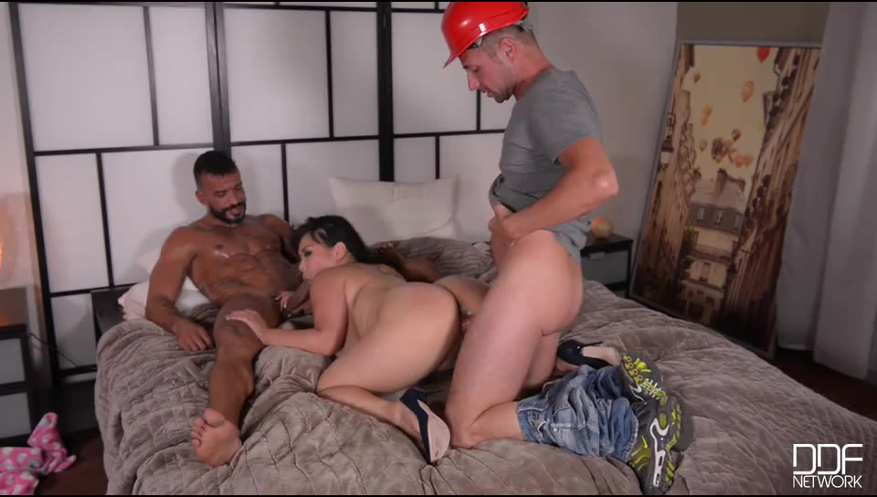 [DDFBusty / DDFNetwork] Going Deep – Busty Horny Housewife Fucked By Two Studs - Tigerr Benson (DP)/(2M1F)