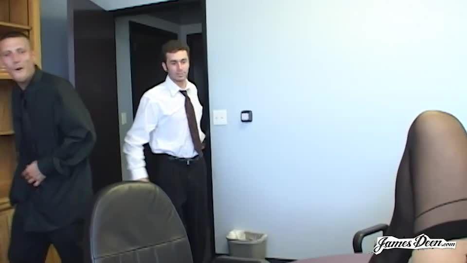 Secretary's Day 1 / Secretary Gets Her Holes Smashed (Smash Pictures / JamesDeen) Screenshot 1