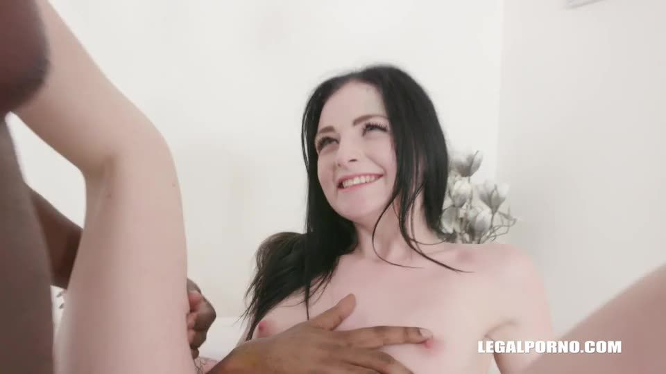 [LegalPorno] Comes to face two black bulls - Young Sydney (DP)/(High Heels)