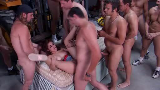 Gangbang Girl 37 (Anabolic Video) Screenshot 2