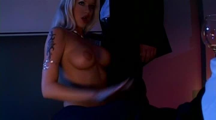 Blonde – Pornochic 7 (Marc Dorcel) Screenshot 3