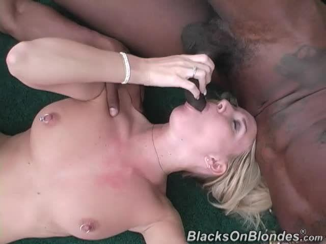 Double Penentration (BlacksOnBlondes / DogFartNetwork) Screenshot 2