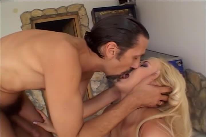 Big Natural Tits 14 (Evil Angel) Screenshot 1