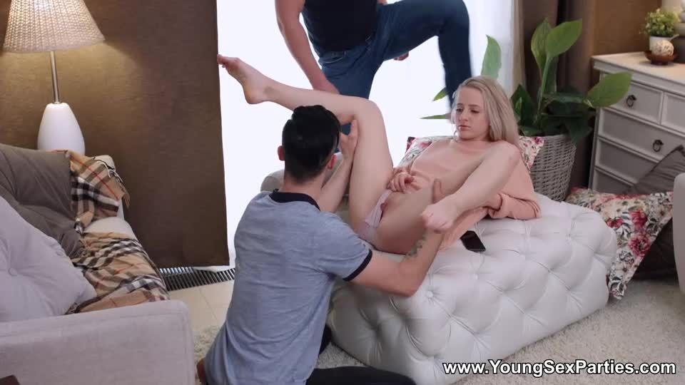 Double Penentration (YoungSexParties) Screenshot 4