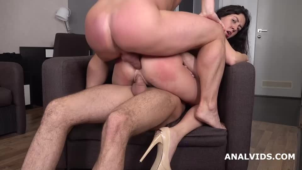 [LegalPorno] Wet in Russia, Balls Deep Anal, DP, Pee Fountain and Cum in Mouth - Katty West (DP)/(2M1F)