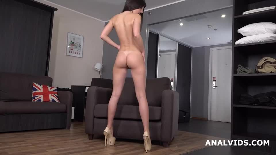 Wet in Russia, Balls Deep Anal, DP, Pee Fountain and Cum in Mouth (LegalPorno) Screenshot 0