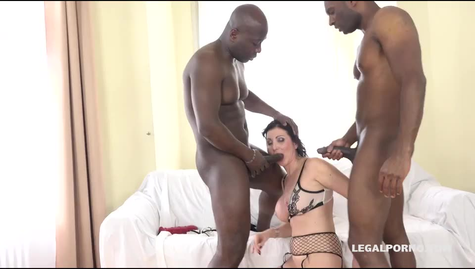 [LegalPorno] Italian Milf has black feeling and tests two black bulls - Sissy Neri (DAP)/(Interracial)