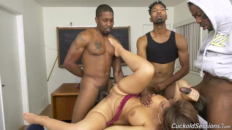 [CuckoldSessions / DogFartNetwork] GangBang Big Black Cock - Syren De Mer (DP)/(Interracial)