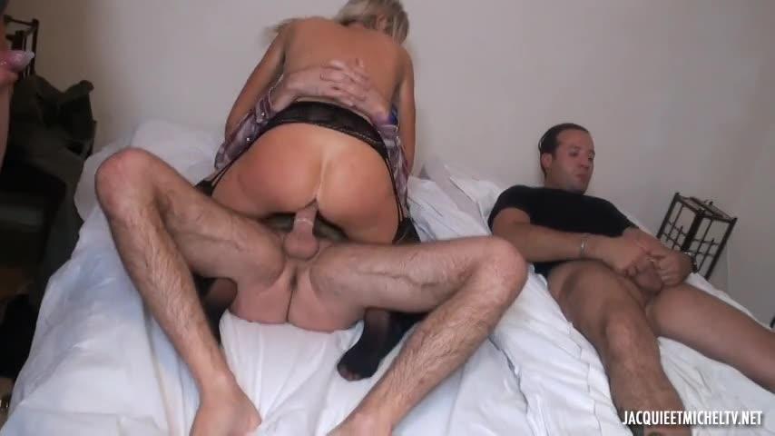 [JacquieEtMichelTV / Indecentes-Voisines] La tentation du hard pour Jenny, 45ans - Jenny (DP)/(Amateur)