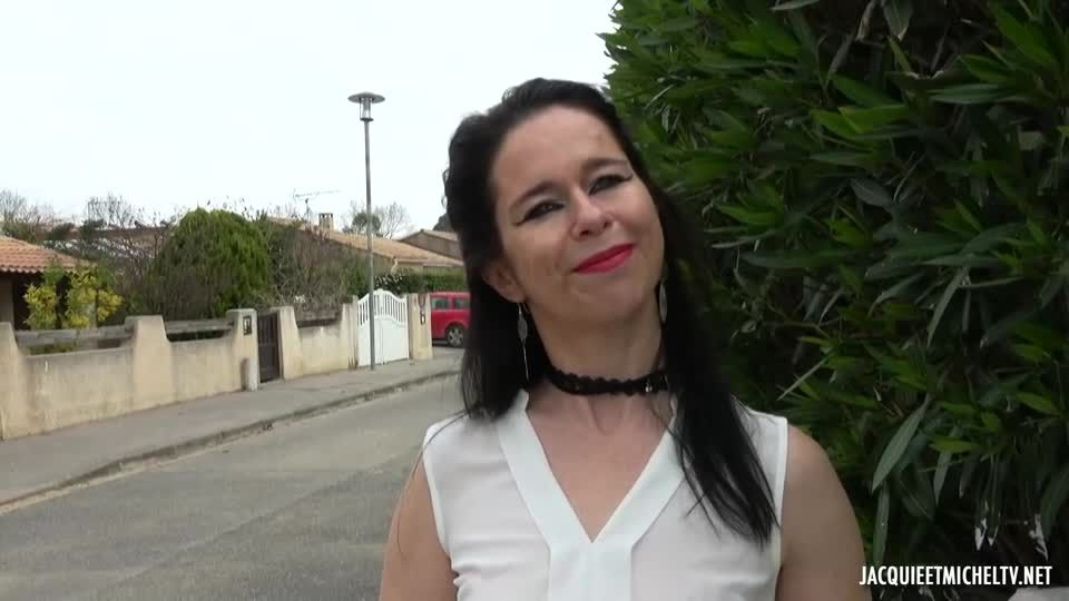 Shanna's Increasingly Varied Pleasures (JacquieEtMichelTV / Indecentes-Voisines) Screenshot 0