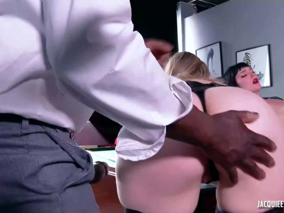 Extreme orgy for Marine's birthday, 20 years! (JacquieEtMichelTV / Indecentes-Voisines) Screenshot 3