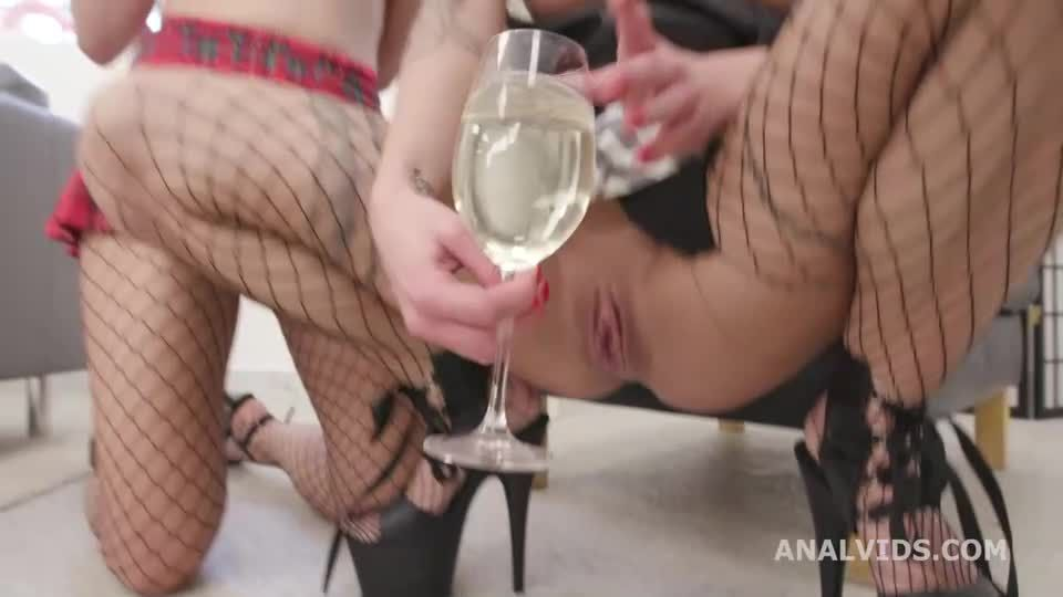 Drink Obsession, Drink each others pee, with Balls Deep Anal, DAP, Gapes (LegalPorno / AnalVids) Screenshot 1
