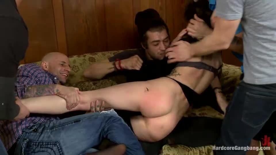 Fucking the French Maid (HardcoreGangbang / Kink) Screenshot 2