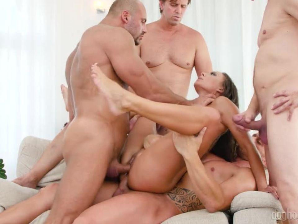 4 On 1 Gang Bangs 13 (Doghouse Digital) Screenshot 8