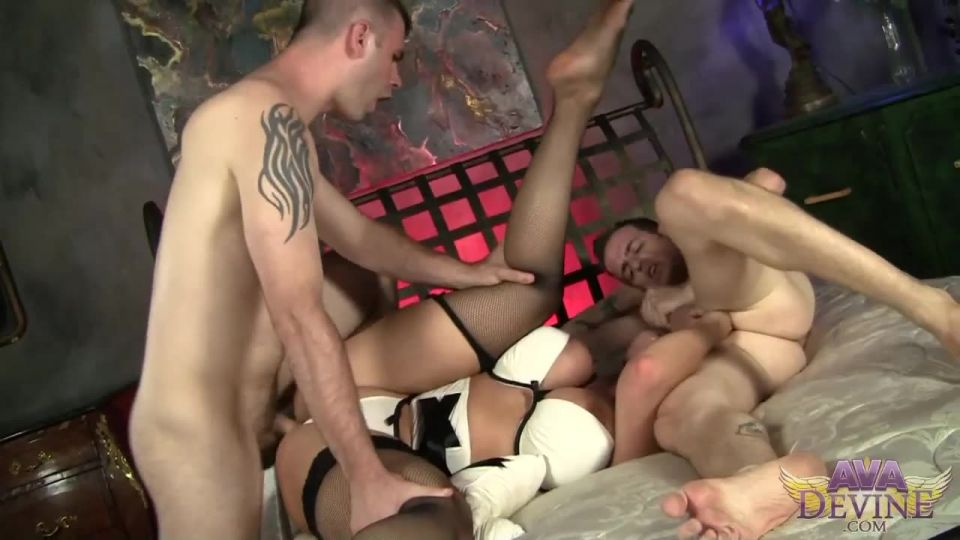 Treated like whore (AvaDevine) Screenshot 3