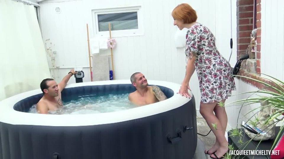 Julie, Tarte Taratin And Sodomy! (JacquieEtMichelTV / Indecentes-Voisines) Screenshot 1