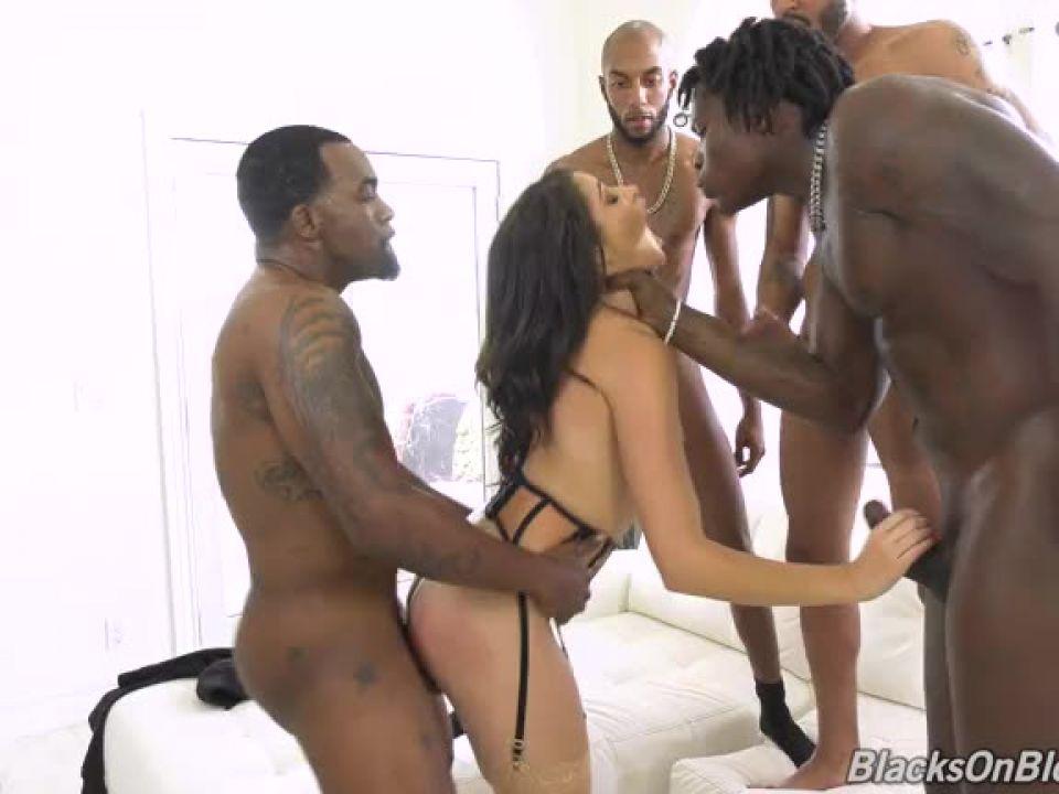 GangBang Big Black Cock (BlacksOnBlondes / DogFartNetwork) Screenshot 3
