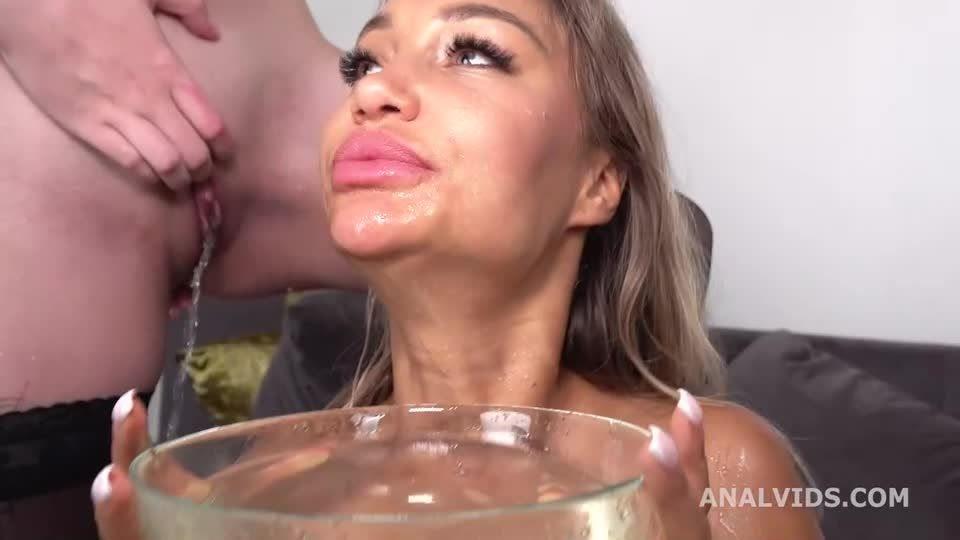 Wet with DAP, gapes, buttrose, pee drink and cum in mouth (LegalPorno / AnalVids) Screenshot 9