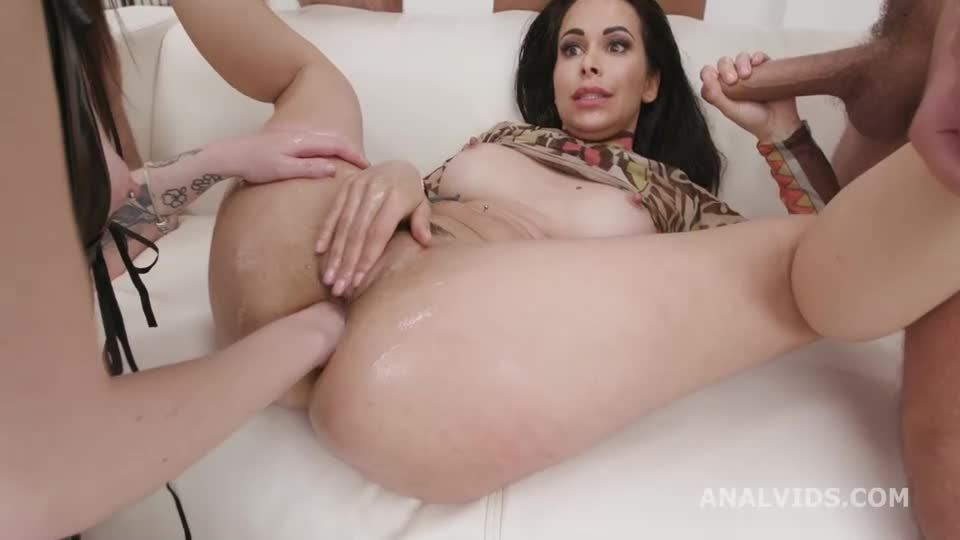 DAP & Squirt, Anal Fisting, DAP, Gapes, Squirt Drink, Creampie Swallow and Cumswallow (LegalPorno / AnalVids) Screenshot 3
