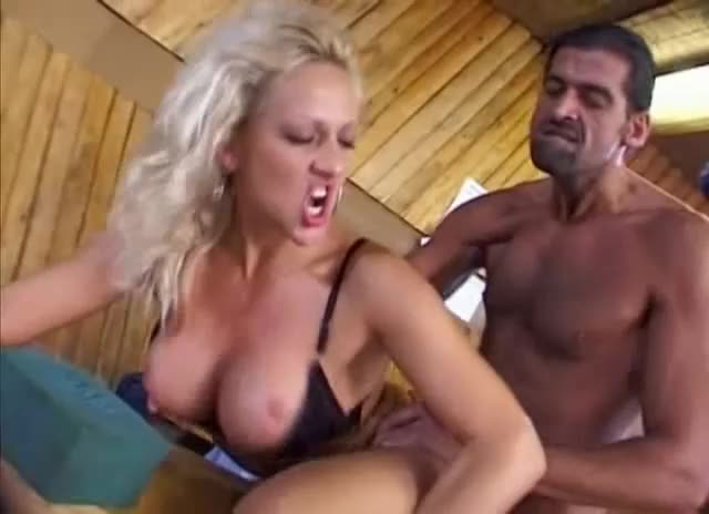 [Video Marc Dorcel] Offertes à tout 12: Fantasmes de Minettes - Rita Black, Pamela Sandersin (DP)/(Natural Tits)