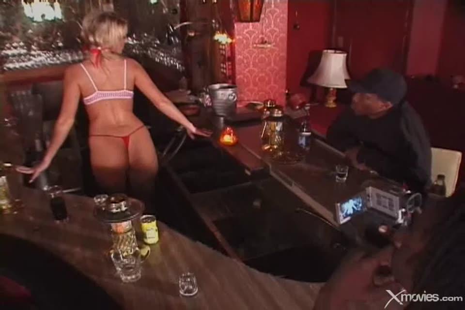 Gangland 41 / White Girls Who Crave Black Cock 2 (Devil's Film) Screenshot 1