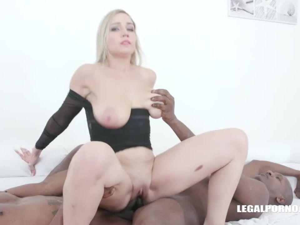 Busty Siya Jey tests black bulls (LegalPorno) Screenshot 6