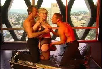 Nina Hartley's Guide to Double Penetration (Adam & Eve) Screenshot 1