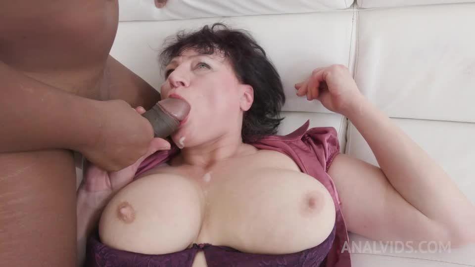 Anal sex with mature MILF KS028 (LegalPorno) Screenshot 9