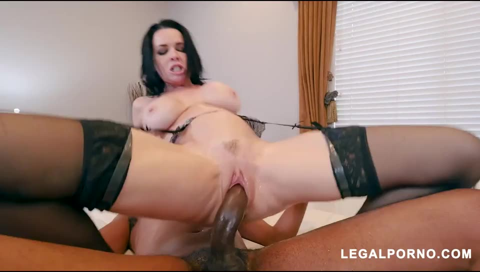 [LegalPorno] Black Robbers Invade Veronica Avluv 's Ass and Pussy AB003 - Veronica Avluv (DAP)/(Interracial)
