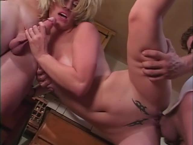 White Trash Whore 18, scene 1 (JM Productions) Screenshot 4