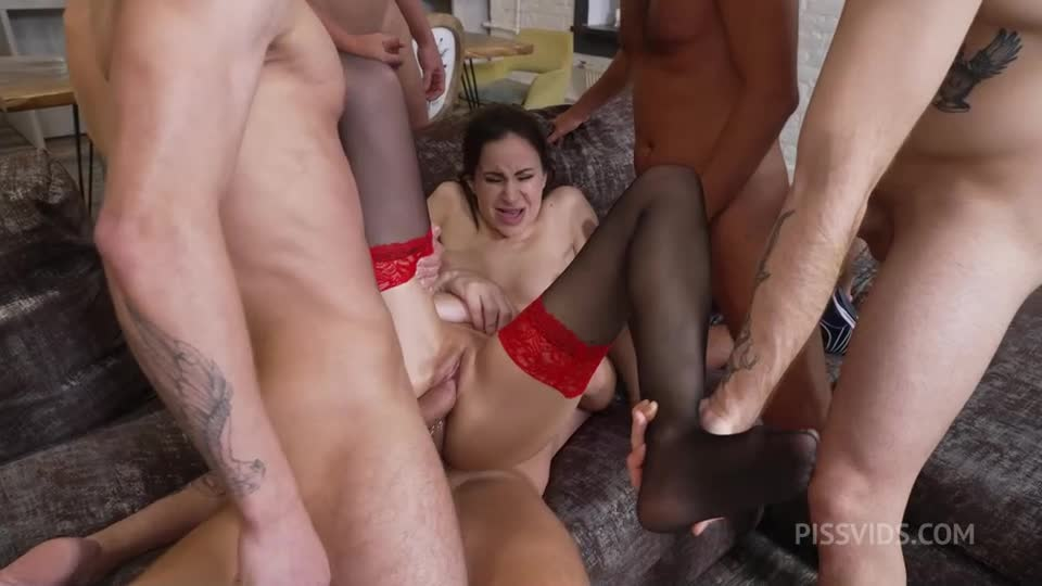 [LegalPorno / AnalVids / NRX-Studio] Gang Bang – Piss Drink with Hot Cocoa - Hot Cocoa (GangBang)/(Pissing)