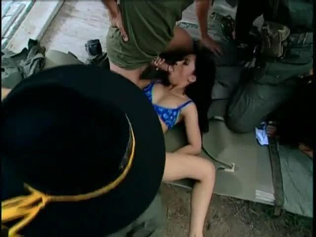 Gangbang Girl 26 / She's Outta Control (Anabolic Video) Screenshot 1