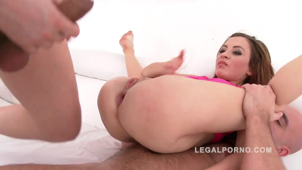 [LegalPorno] returns to studio to get fucked by 4 guys and proper DP - Sandra Luberc (GangBang)/(Brunette)