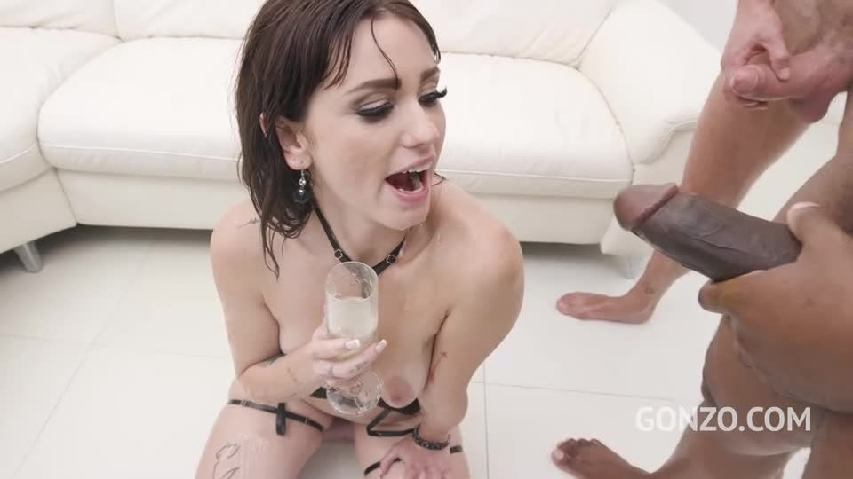 Nasty italian slut drink cum and piss cocktail after hardcore anal with DP (LegalPorno / AnalVids / Gonzo) Screenshot 9