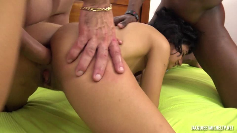 Candy, 19, Does Everything For J&M! (JacquieEtMichelTV / Indecentes-Voisines) Screenshot 9