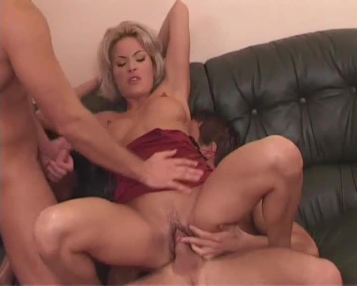 Precious Pink 3 /Top Models A Defoncer / Top Models Defamed / What Would You Do For Pussy? (Hustler Video) Screenshot 4