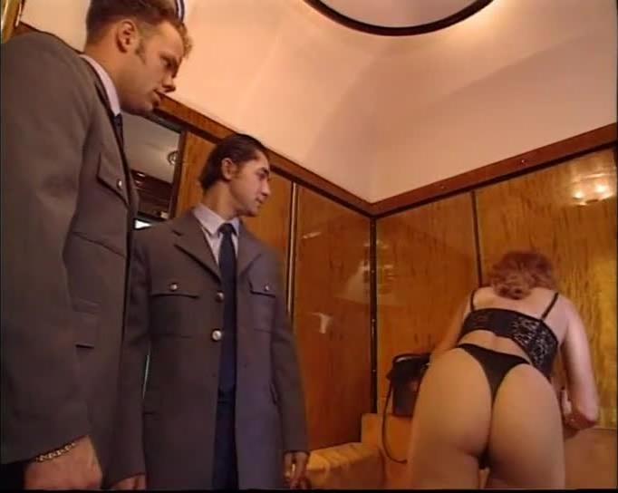 Adventures on the Orient Express / Aventures galantes en première classe (Adult Tip Top / Blue One / Gold Pictures) Screenshot 1