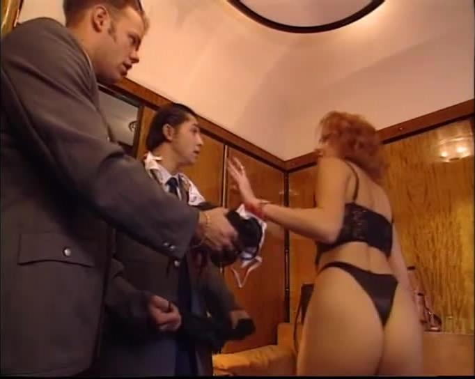 Adventures on the Orient Express / Aventures galantes en première classe (Adult Tip Top / Blue One / Gold Pictures) Screenshot 2