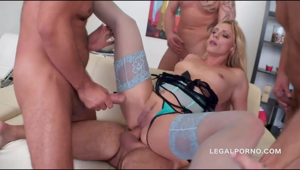 Sperma Party 14. Brittany Love swallows 14 cumshots after lots of DP, DAP, ATM, gapes/prolapse, anal fisting (LegalPorno) Screenshot 5