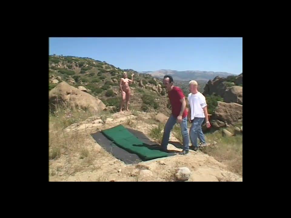 Unidentified scene / Double penetrated in the wilderness Screenshot 0