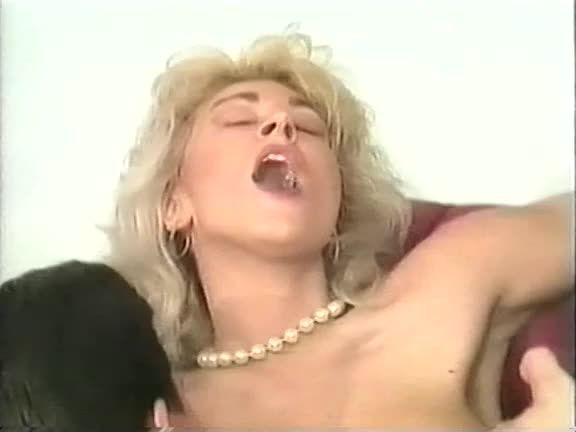 [DBM Video] Clark Entertainment 33: Pipeline - Judith Canape, Elizabeth King (DP)/(High Heels)