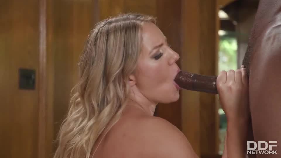 Candice Loves Two Black Cocks (HandsOnHardcore / DDFNetwork / PornWorld) Screenshot 7