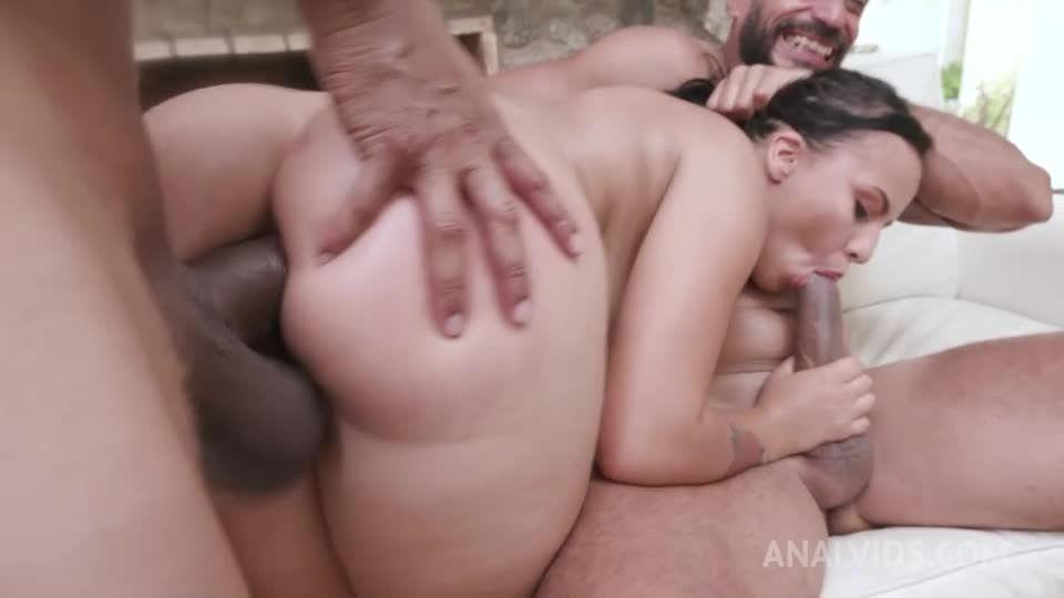 Hot Poolside Threesome With Curvy Latina YE044 (LegalPorno / AnalVids) Screenshot 2